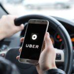 Economia, carro preto e a proibição do aplicativo UBER